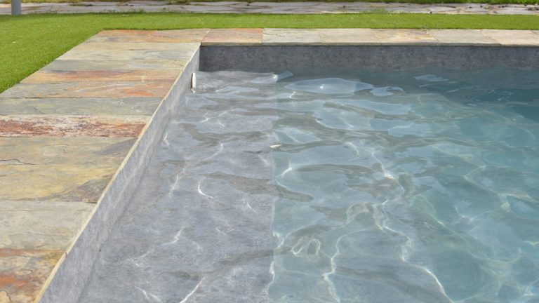 RENOLIT ALKORPLAN TOUCH is the first reinforced membrane 3d to line swimming pools Inspired by nature