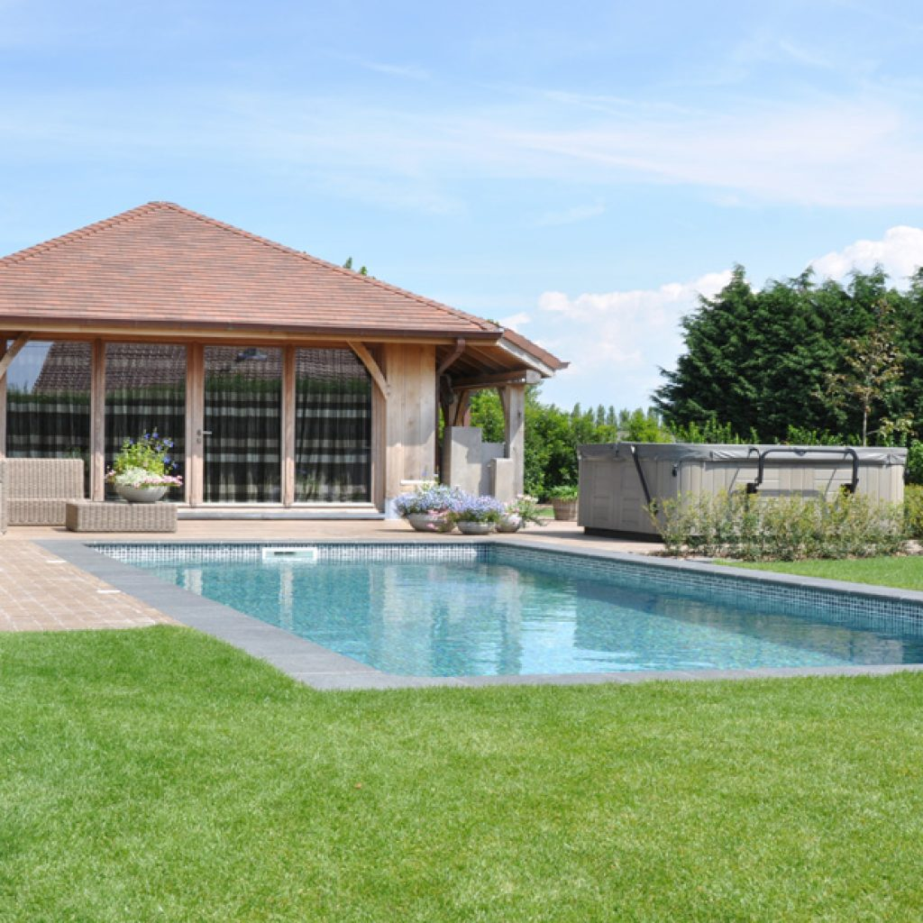 RENOLIT ALKORPLAN  is the best reinforced membrane to line swimming pools
