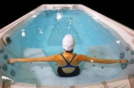 HP18-SCSS-17ft-Executive-Trainer-Oprtnl-Swimmer-Image2-FNL